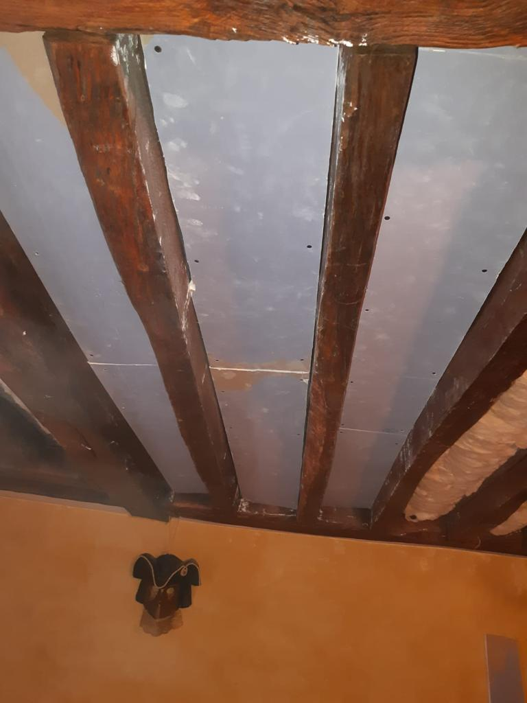Fermeture complète de l'isolation du plafond, réalisé par Homcréa